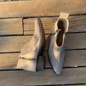 Free People Boots - size 36